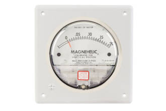 Magnehelic Flush Mount with Static Port